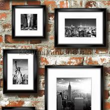 Ny pictures on the wall